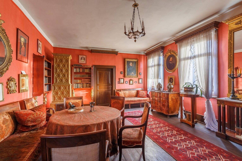 Brentano-Haus, Roter Salon