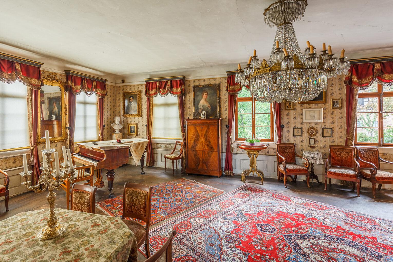 Brentano-Haus, Saal in der Beletage