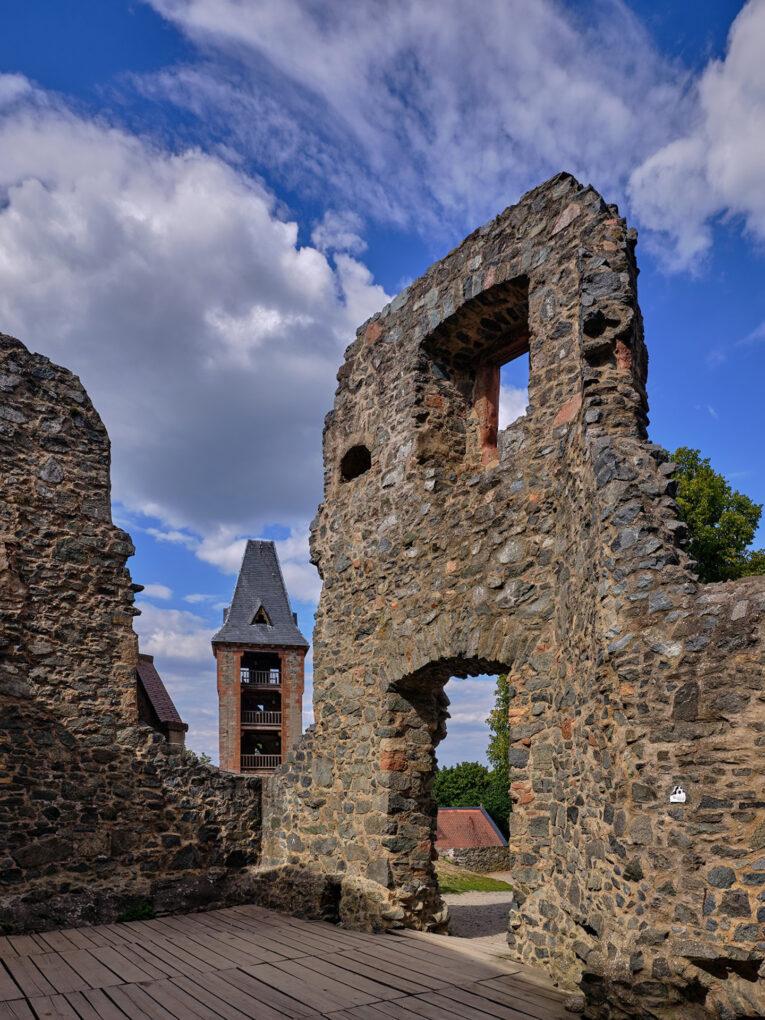 Burg Frankenstein, Mauerreste des Wohnbaus