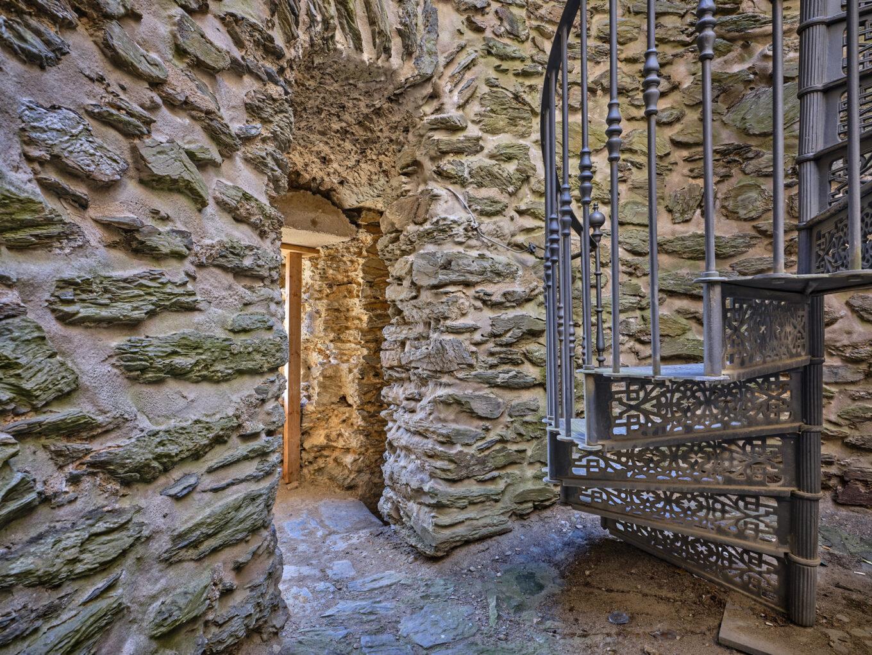 Burgruine Altweilnau, Turmeingang