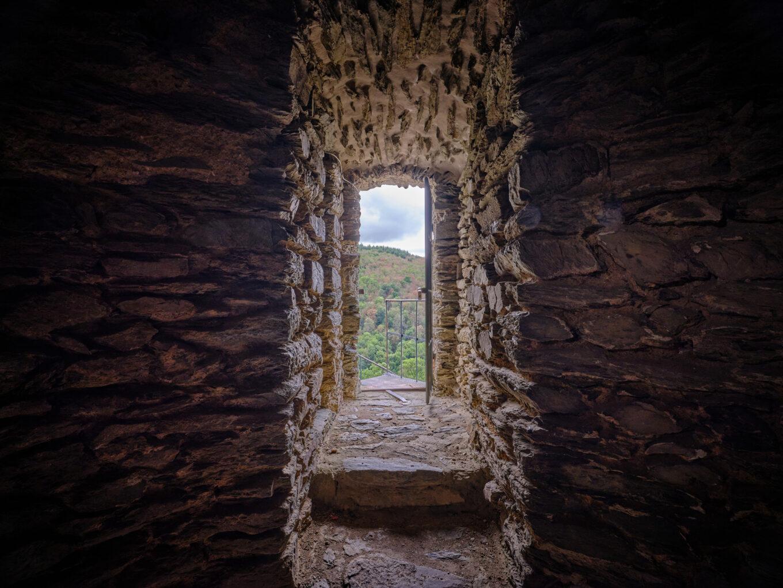 Burgruine Altweilnau, Zugang zum Turm