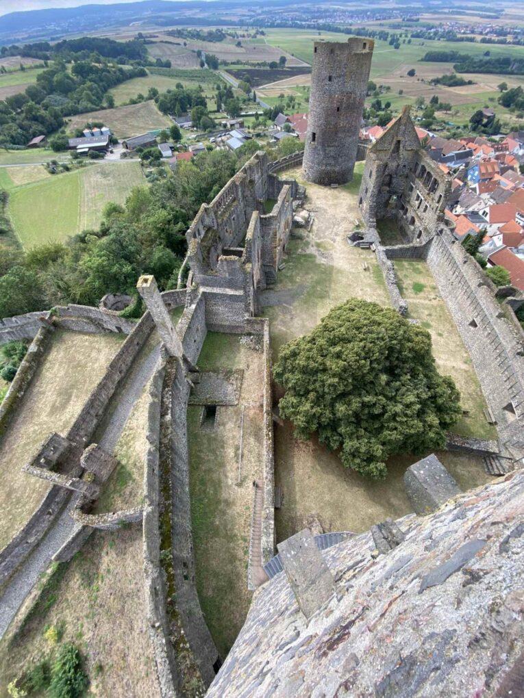 Luftaufnahme der Burgruine Münzenberg