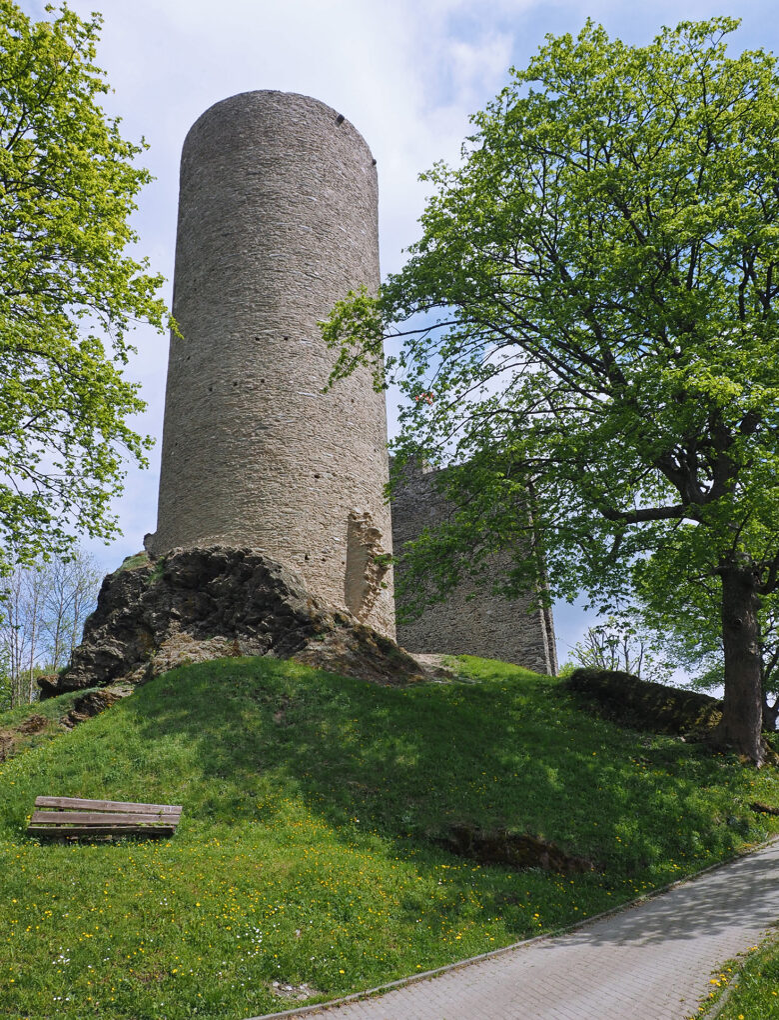 Burgruine Oberreifenberg, Bergfried
