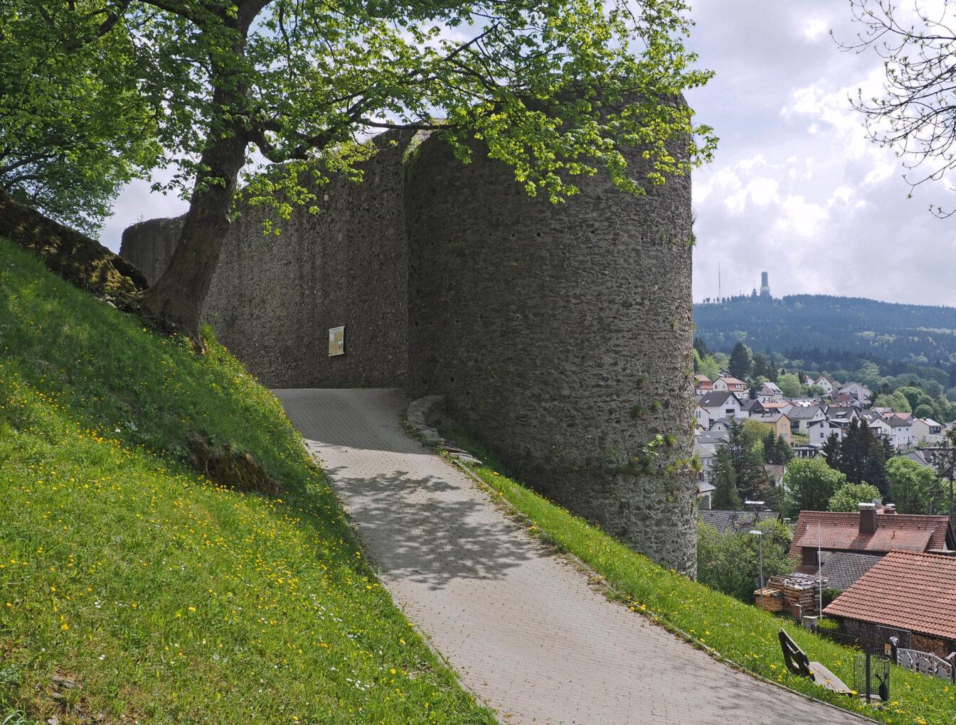 Burgruine Oberreifenberg, Rundweg