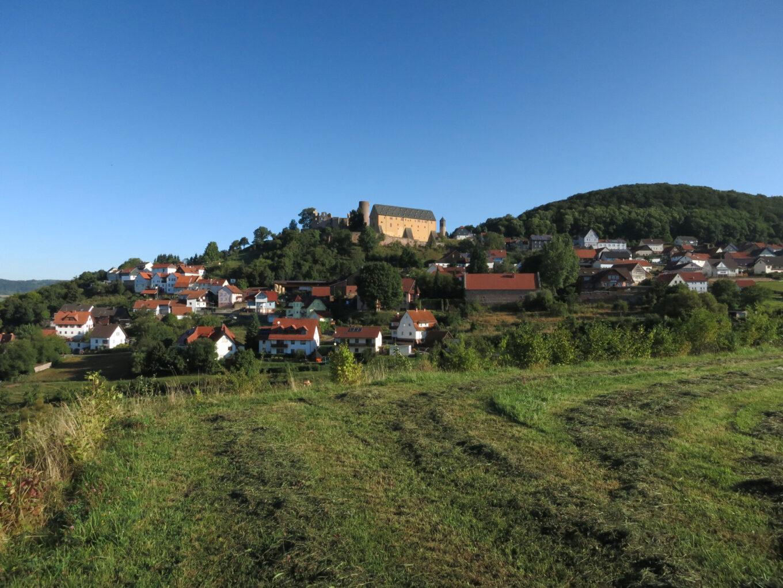 Burgruine Schwarzenfels, Ansicht aus der Ferne