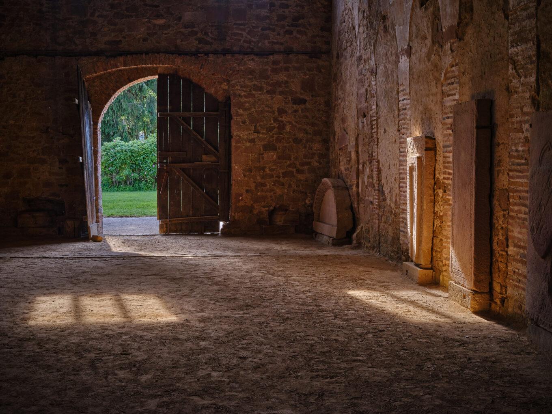 Einhardsbasilika, Kirchenraum