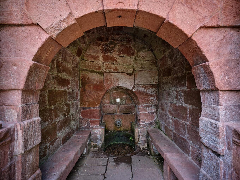 Elisabethbrunnen, gefasste Quelle