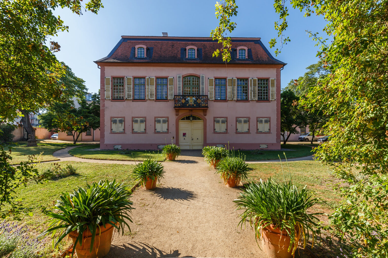 Prinz-Georg-Garten, Palais