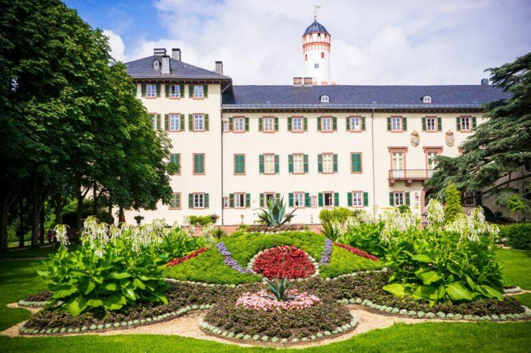 Schloss, Teppichbeet