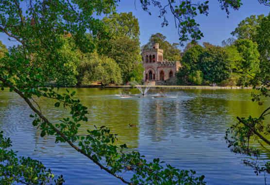 Schlosspark Biebrich, See