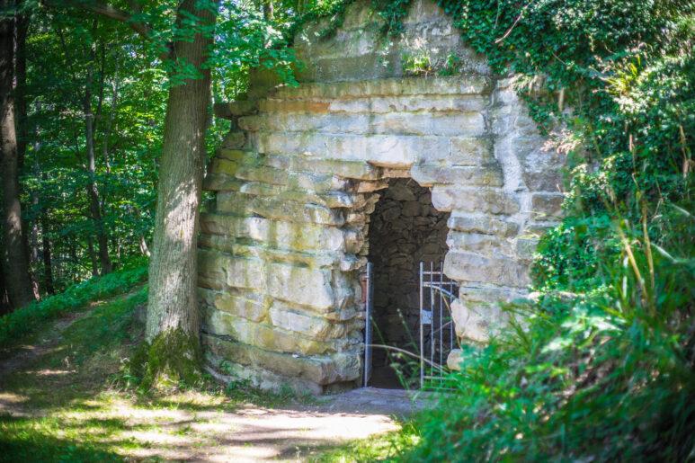 Fürstenlager, Grotte