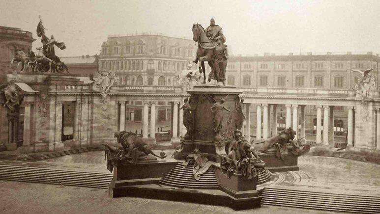 Denkmal Kaiser Wilhelm I. vor dem Berliner Stadtschloss