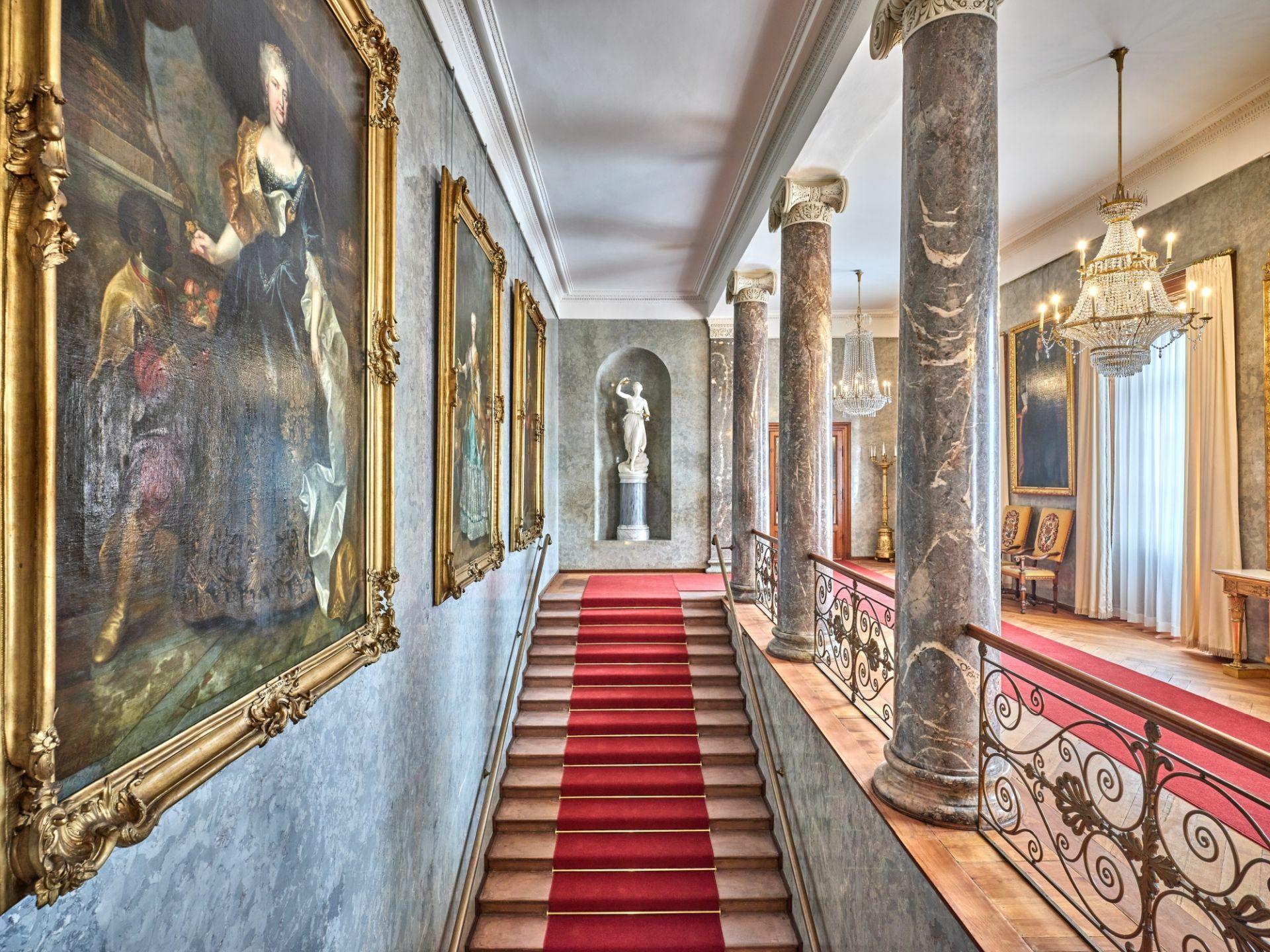 Haupttreppe zu den Kaiserlichen Appartements im Schloss Bad Homburg