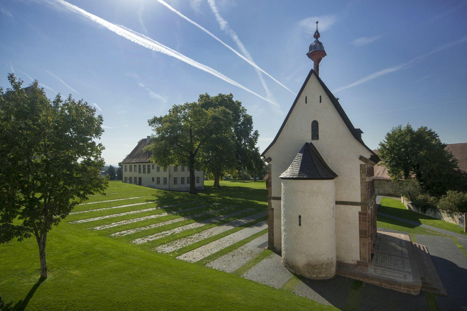 Die Welterbestätte Kloster Lorsch mit der Königshalle