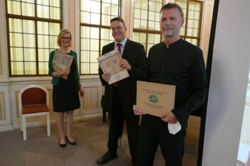 SG-Direktorin Kirsten Worms mit Ralph Ziegler und Olaf Joksch-Weinandy. © Staatliche Schlösser und Gärten Hessen, Foto: Britta Reimann