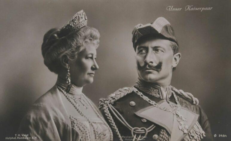 Historische Postkarte: das Kaiserpaar