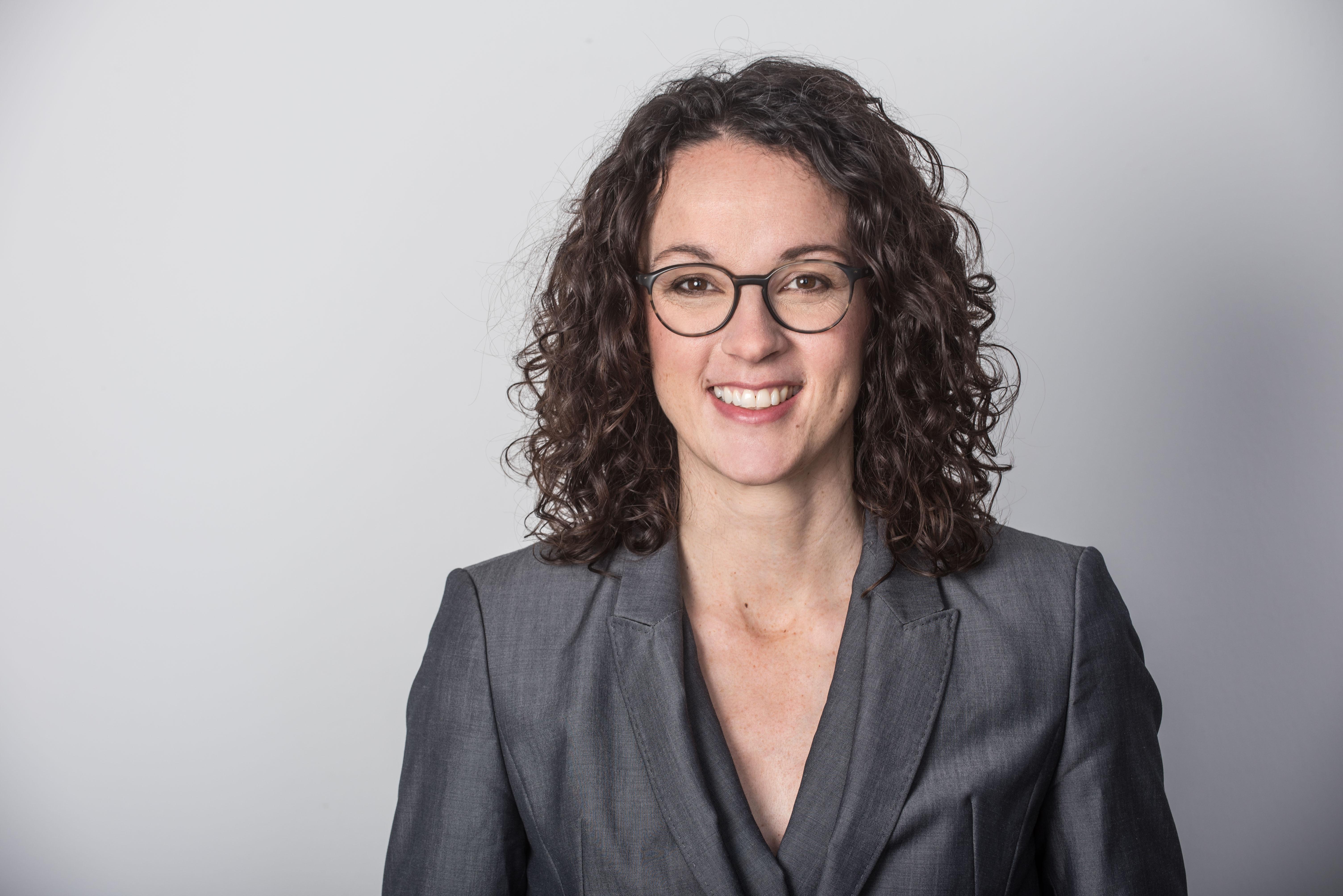 Angela Dorn 2