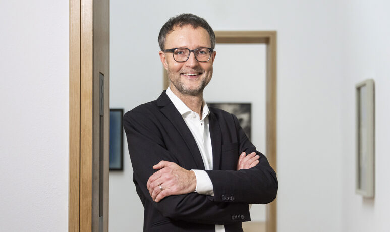 Dr. Andreas Henning