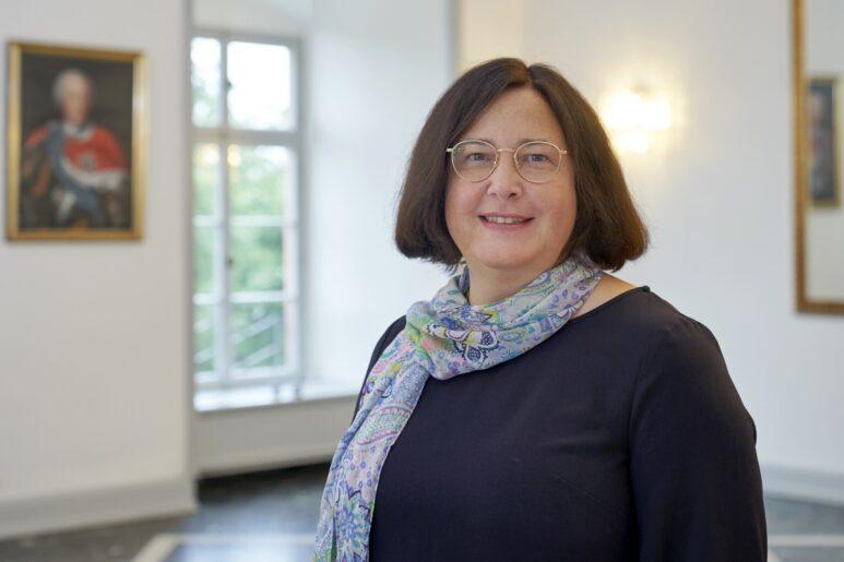 Dr. Susanne Király